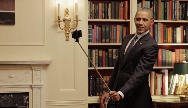 President-Obama-using-a-selfie-stick
