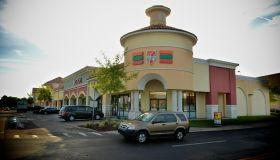 Neighborhood Of Sanford, Florida Still Reeling In Aftermath Of Unarmed Teen Shooting