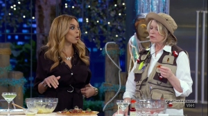 Martha & Snoop's Potluck Dinner Party Season 2 Episode 5 as seen on VH1.