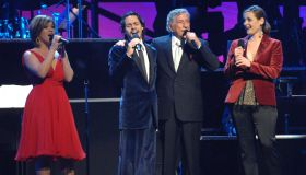 Singers and Songs Celebrate Tony Bennett's 80th to Benefit Paul Newman's Hole in the Wall Camps - Show