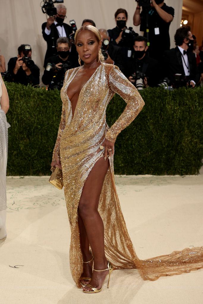 Mary J. Blige wearing Dundas